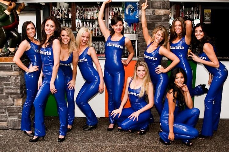 20110524 Bavaria Girls Canucks Game_28