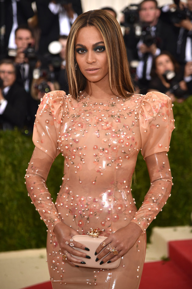 """NEW YORK, NY - MAY 02: Beyonce attends the """"Manus x Machina: Fashion In An Age Of Technology"""" Costume Institute Gala at Metropolitan Museum of Art on May 2, 2016 in New York City. (Photo by Dimitrios Kambouris/Getty Images)"""