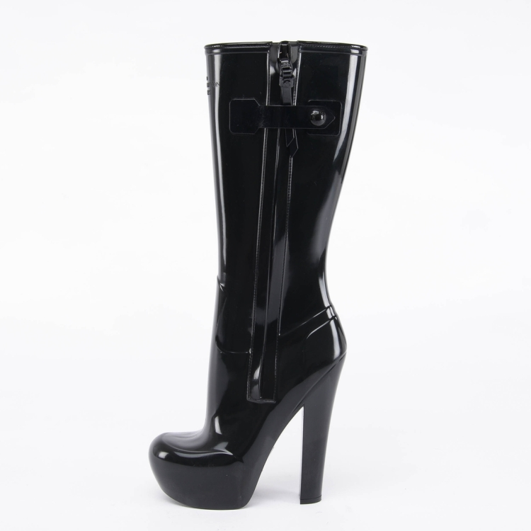 Louis-Vuitton-Black-Rain-Boots-2